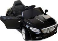 Čierne elektrické športoví auto na diaľkové ovládanie