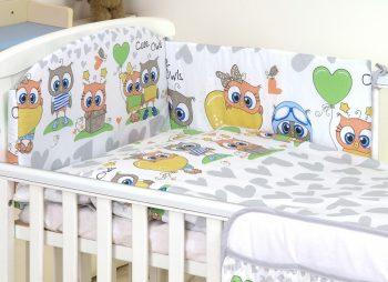 MamaKiddies Baby Bear 5-dielna posteľná bielizeň s 360 ° krytom na mriežky sivo biela s farebnými sovičkami